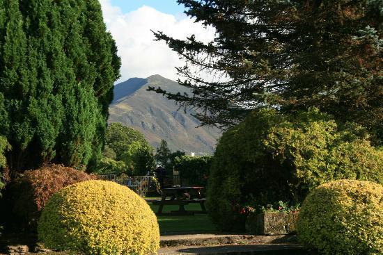 Best Western Plus Lake District, Keswick, Castle Inn Hotel: view from garden