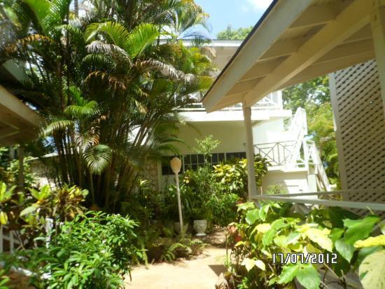 Rondel Village: Gardens