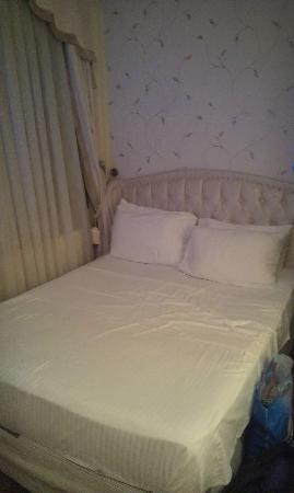Hotel Kupeli Palace: The bed in double room