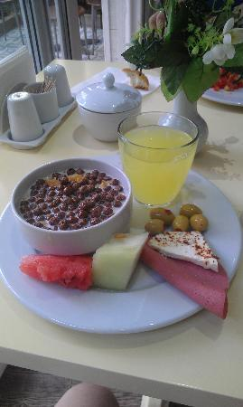 Küpeli Palace Hotel: Breakfast
