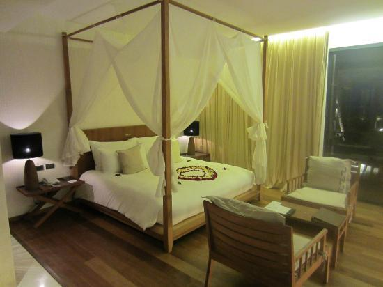 Hansar Samui Resort : Bed