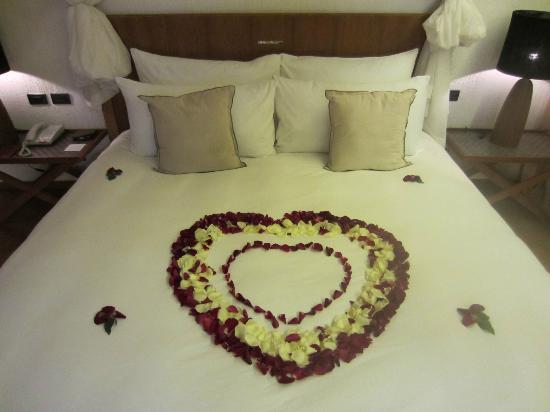 Hansar Samui Resort : Bed