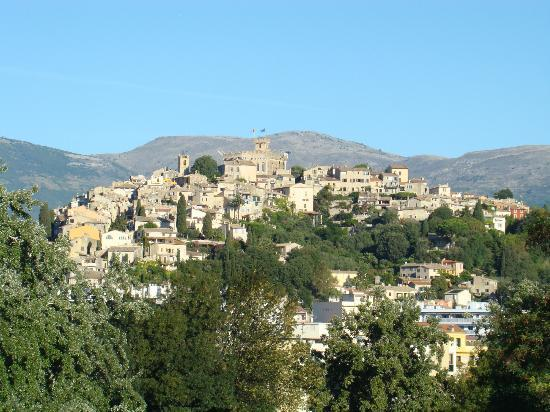 HAUT DE CAGNES - a view from A8