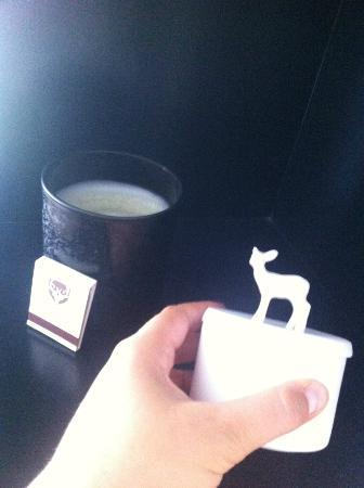CERVO Zermatt: Scented candle and delicate deer decoration