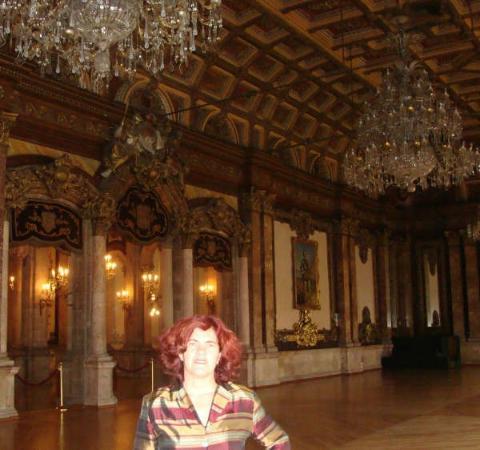 Casino Español: salón principal en la planta alta (2do piso) donde se realizan bailes,conferencias o presentacio