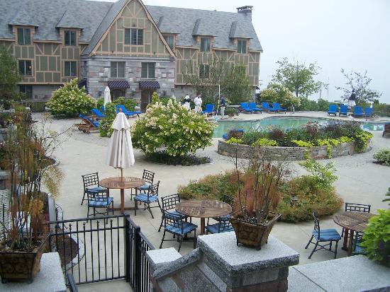 Harborside Hotel & Marina: La piscine en face du port