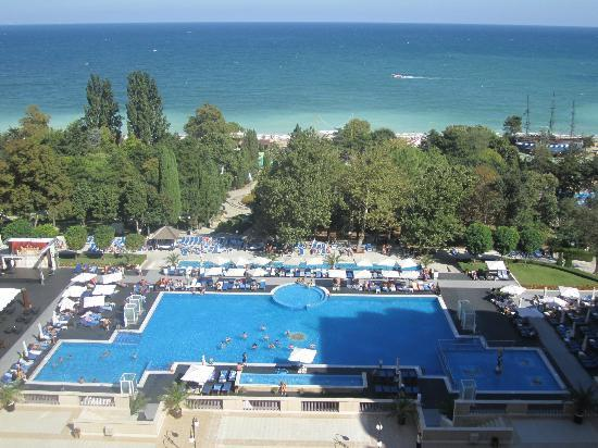 Melia Grand Hermitage: View from 8th floor: pool and steps to the beach