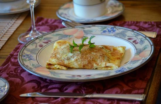 Misty Valley Inn B&B: Moroccan Omelette
