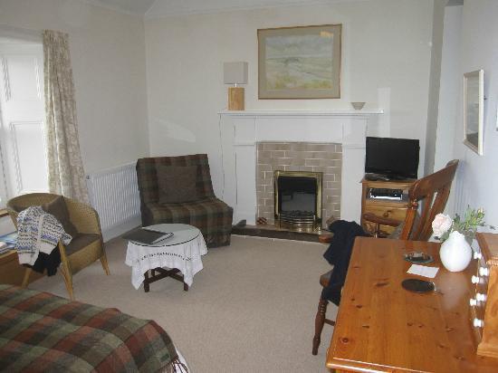 40 Pier Road: Sitting area in bedroom