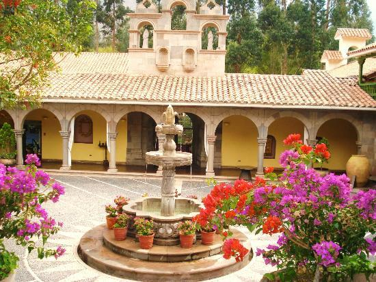 Aranwa Sacred Valley Hotel & Wellness: Old Hacienda building