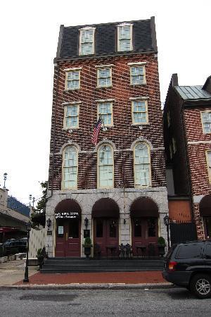 Penn's View Hotel: Penn View
