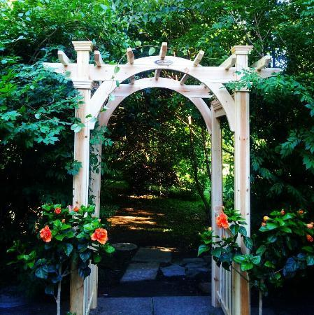 The Chaney Manor Bed and Breakfast Inn: The Chaney Manor B & B South Patio Arbor and Topiary