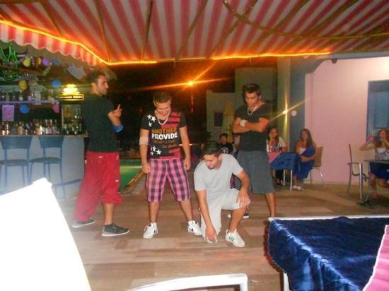 Happy Apart Hotel: break dancers at turkish night