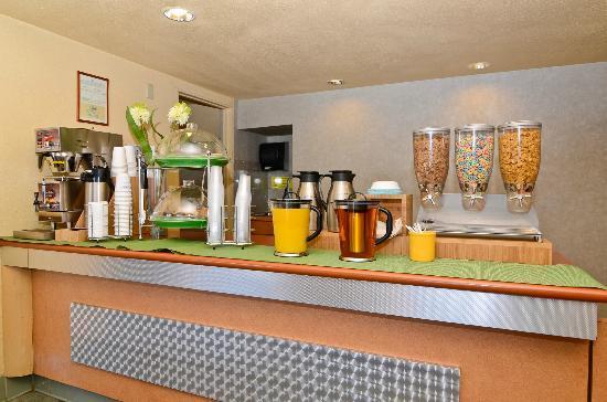 Best Western Cajon Pass: Breakfast Bar