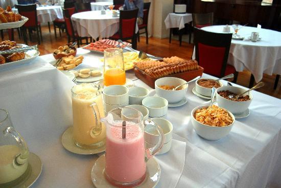 Howard Johnson Plaza Jujuy: Breakfast