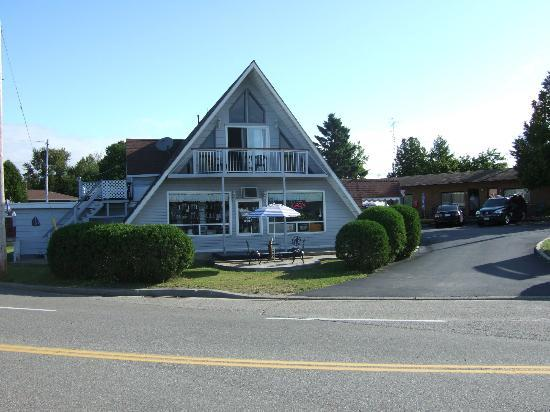 Huron Motor Lodge: Challet Gift Shop