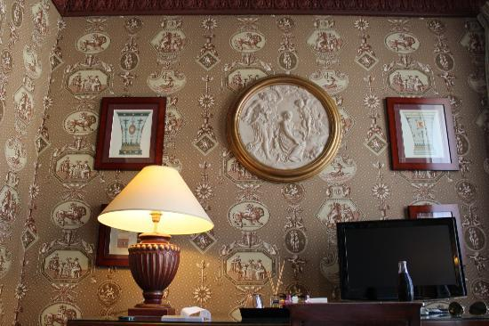 Hotel des Grands Hommes: beautiful upholstered walls