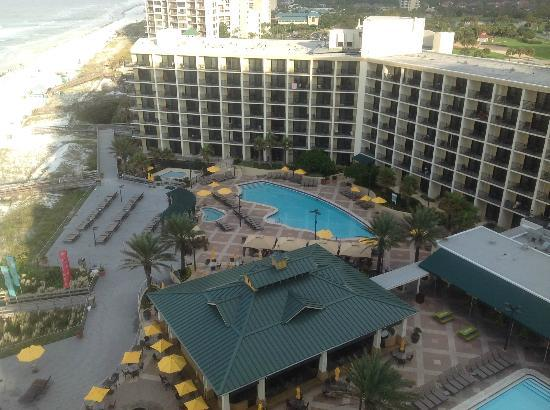 Hilton Sandestin Beach, Golf Resort & Spa: Looking down - no noise up here!
