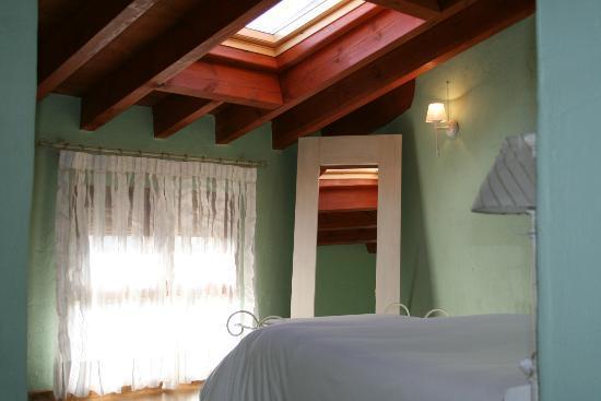 Casa Rural Bolilla: Habitación verde