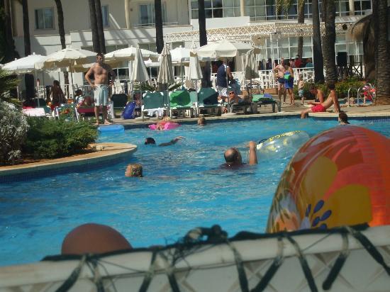 Protur Vista Badia Aparthotel: Pool
