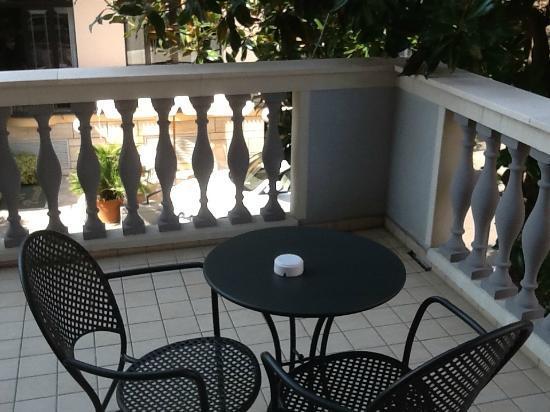 Hotel Sovrana: terrazzino