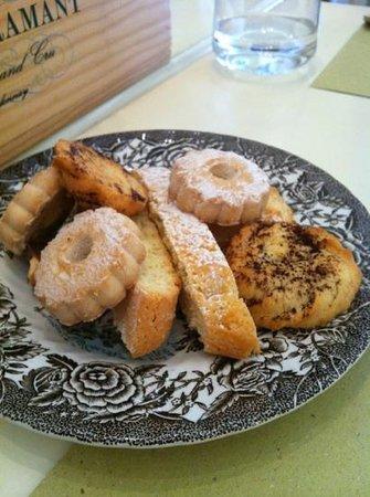 Zerodue Restaurant: Biscotti con il caffe!