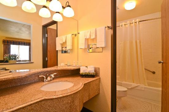 Quality Inn Wickenburg: Bathroom