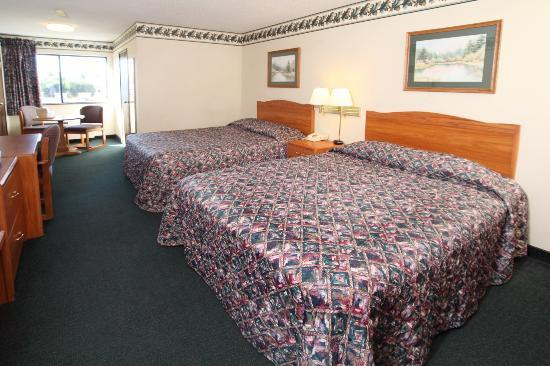 Barkers Island Inn: Two Queen Room