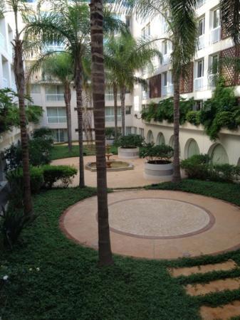Mövenpick Hotel Beirut: la vue des chambres cote cour