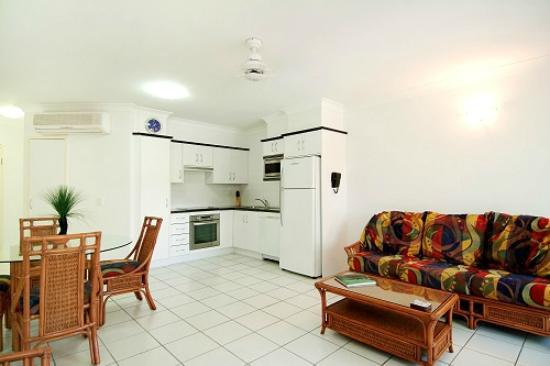 Beachfront Apartments on Trinity Beach: 1 Bedroom apartment  Condo