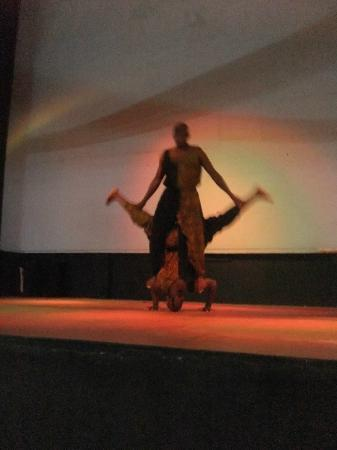 Club Whispers Restaurant & Bar: Local entertainers