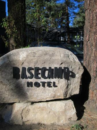 Basecamp South Lake Tahoe: BaseCamp Hotel Sign