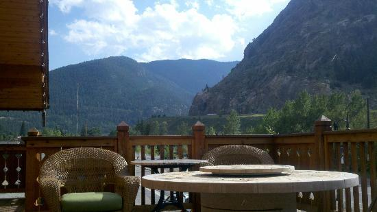Hotel Chateau Chamonix: View From The Fire Pit/Lounge Area
