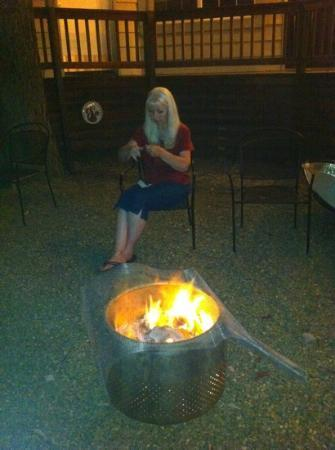 Timberline Lodge: Fun camp fires! this is the awesome owner Colleen