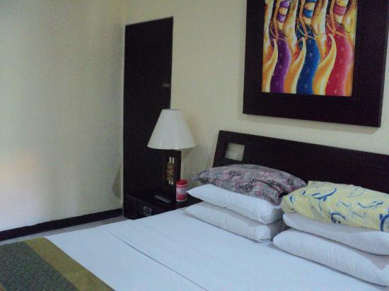 Adi Dharma Hotel: room