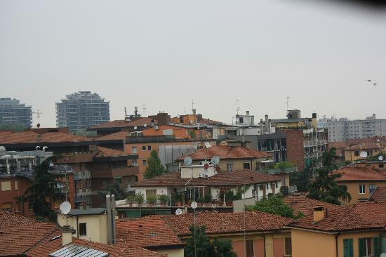 Aemilia Hotel: view from rooftop patio