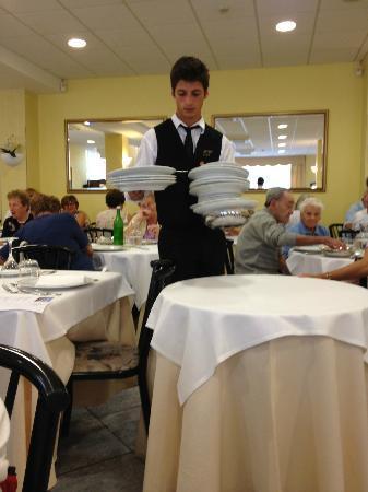 Hotel Welcome: Nice waiters