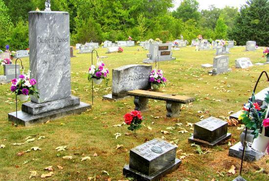 Adamsville, Теннесси: Pusser gravesite