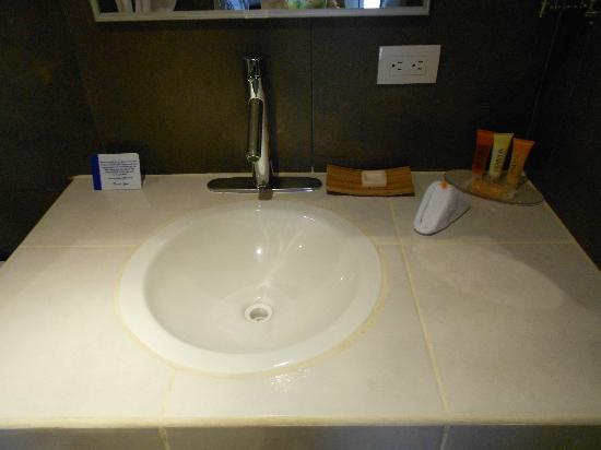 Hotel Laguna Mar: Closeup of sink