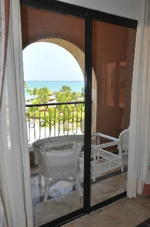 Sanctuary Cap Cana by AlSol: Small balcony in the Junior Suite Ocean VIew.