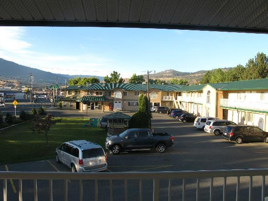 Intown Inn & Suites: View from our room.