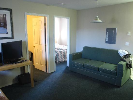 Intown Inn & Suites