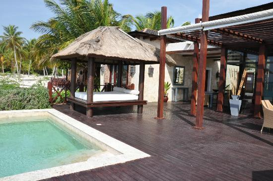 Sanctuary Cap Cana by AlSol: The deck in the Royal Villa.