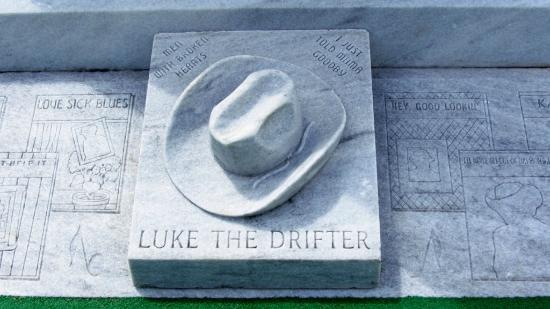 Монтгомери, Алабама: Luke the drifter