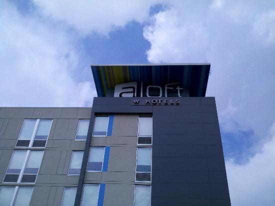 aloft Philadelphia Airport: aloft Hotel