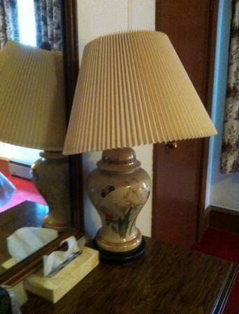 Eureka Inn: All lampshades were askew upon arrival...nice touch.