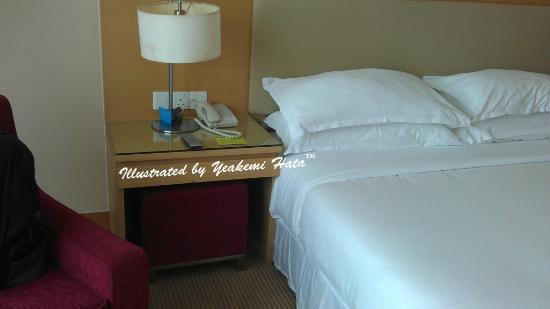 Century Kuching Hotel : small stool beside the bed