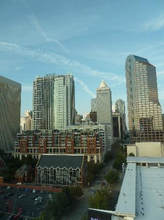 Westin Charlotte: View from our room on the 14th floor in daylight
