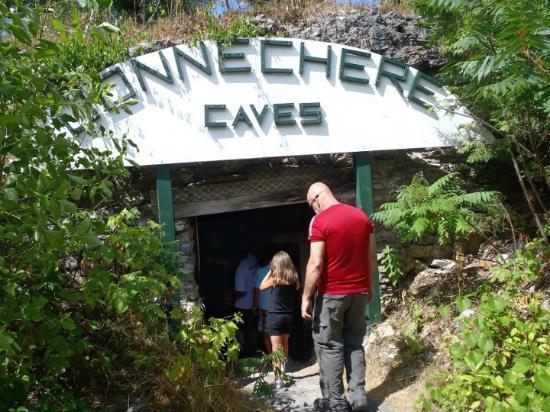 Bonnechere Caves : Entering the caves