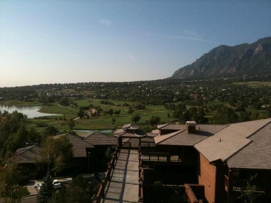 Cheyenne Mountain Resort Colorado Springs, A Dolce Resort: View from deck off of restaurant